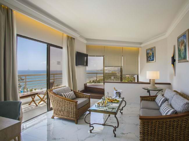 Executive Suite Mit Jacuzzi - Whirlpool im wohnzimmer